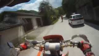 KTM 525 and Honda CRF 250 Overtaking Police like a BOSS - Co...