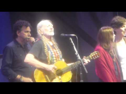 Willie Nelson at Jazz Fest 2013 05-03-2013 Roll Me Up and Smoke Me When I Die