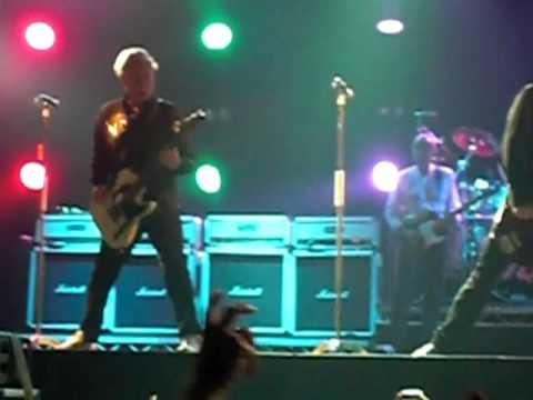 Status Quo - Roll Over Lay Down (live) 2012