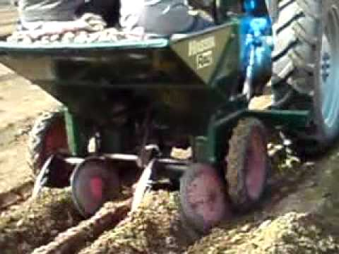 potatoes planting 2011-φυτεμα πατατας 2011-Plantation des pommes 2011