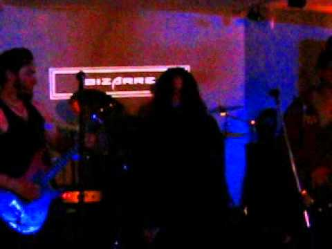 "Hell Walker - The Pursuit of Vikings (Cover en vivo) ""Bizarre Rock Bar"""