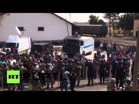 Turkey: Syrian refugees head BACK to Syria as conflict intensifies