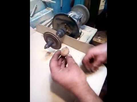 Орехокол сделать своими руками что бы был орех бабочка 18