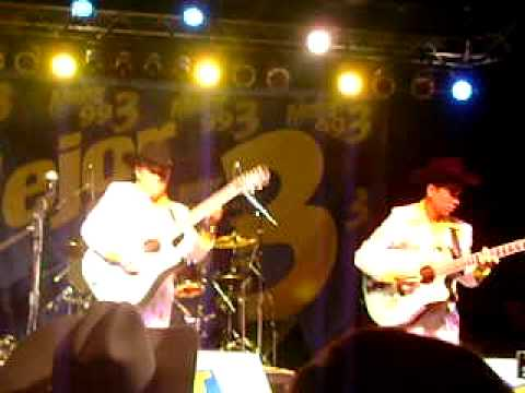 Los Cuates De SInaloa en el 4&B