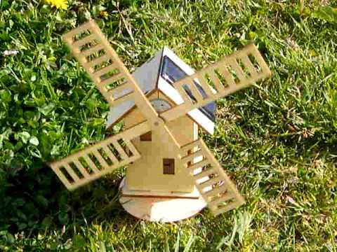 Moulin en bois solaire youtube for Moulin en bois pour jardin