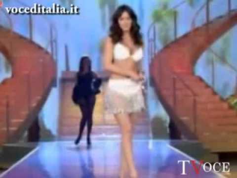 Melita Toniolo sexy alle Iene