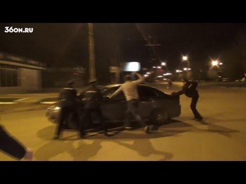 """ДК 100 - """"Пьяный"""" водитель сбил Полицейского. Воронеж"""