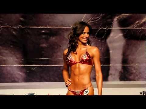 Sally Aponte en la Categoría Bikinis @ Mr. & Ms. República Dominicana 2012