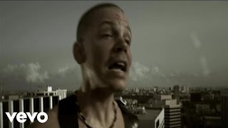 Watch Calle 13 Calma Pueblo video