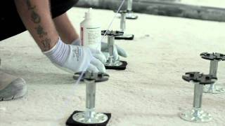 Installazione di un pavimento sopraelevato