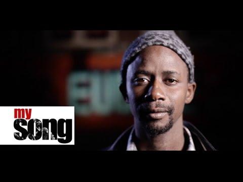 """Pour contrer l'état d'esprit défaitiste de leur société sénégalaise, ils ont créé le collectif """"Y'en a marre"""". Ils viennent d'horizons différents � des musiciens, des activistes..."""