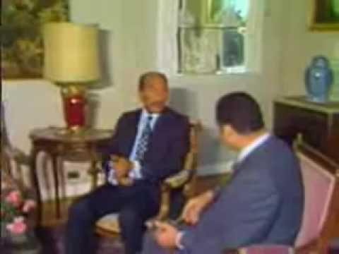 الرئيس السادات مع حسني مبارك .. فيديو نادر