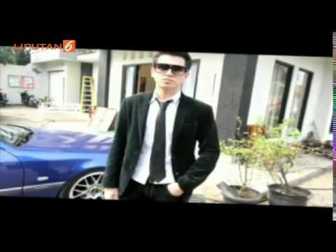 download lagu Gosip Putus Dengan Sahila Hisyam, Kevin Julio Malah Peluk Peluk Dua Wanita Ini gratis