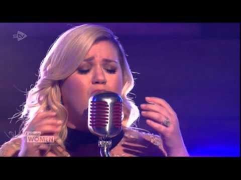 Kelly Clarkson Heartbeat Song Live on Loose Women 2-3-15
