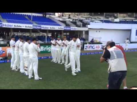 Dan Vettori leads BLACKCAPS out
