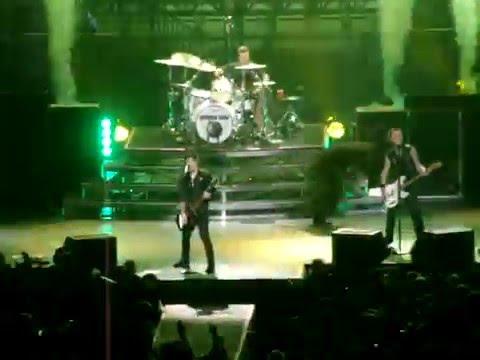 Green Day - Minority (live @ Ericsson Globe, Stockholm, SWEDEN 11.10.2009)