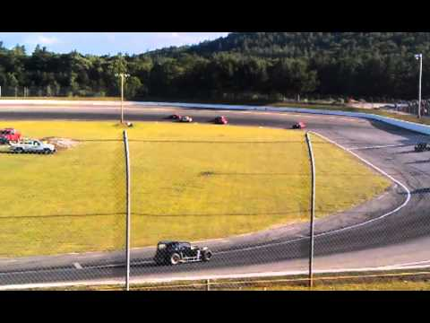 Dwarf cars practice at White Mountain Motorsports Park, N.Woodstock NH