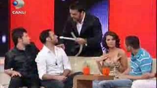 emreaydın,Sabri Sarıoğlu,Arda Turan-Beyaz Show - Helyum Gazı