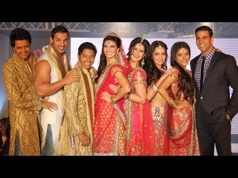 Akshay, Asin, John, Jacqueline, Riteish, Zarine Walk The Ramp!