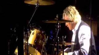 queen-roger taylor drum solo