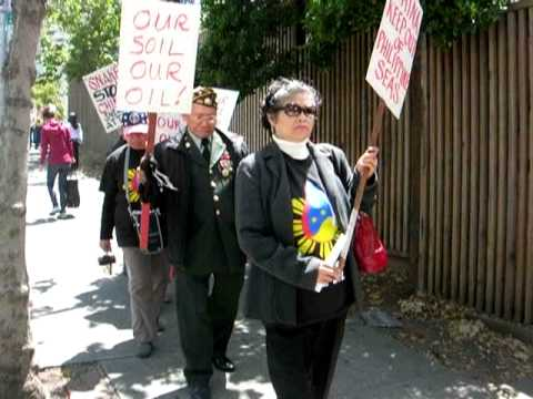 US Pinoys Protest at Chinese Consulate