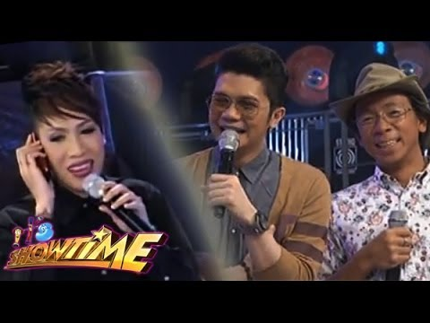 Vice Ganda Welcomes Vhong Navarro Via Long Distance Phone Call video