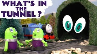 Thomas The Tank Engine asks the funny Funlings to guess what's in the tunnel - Kids toy story TT4U