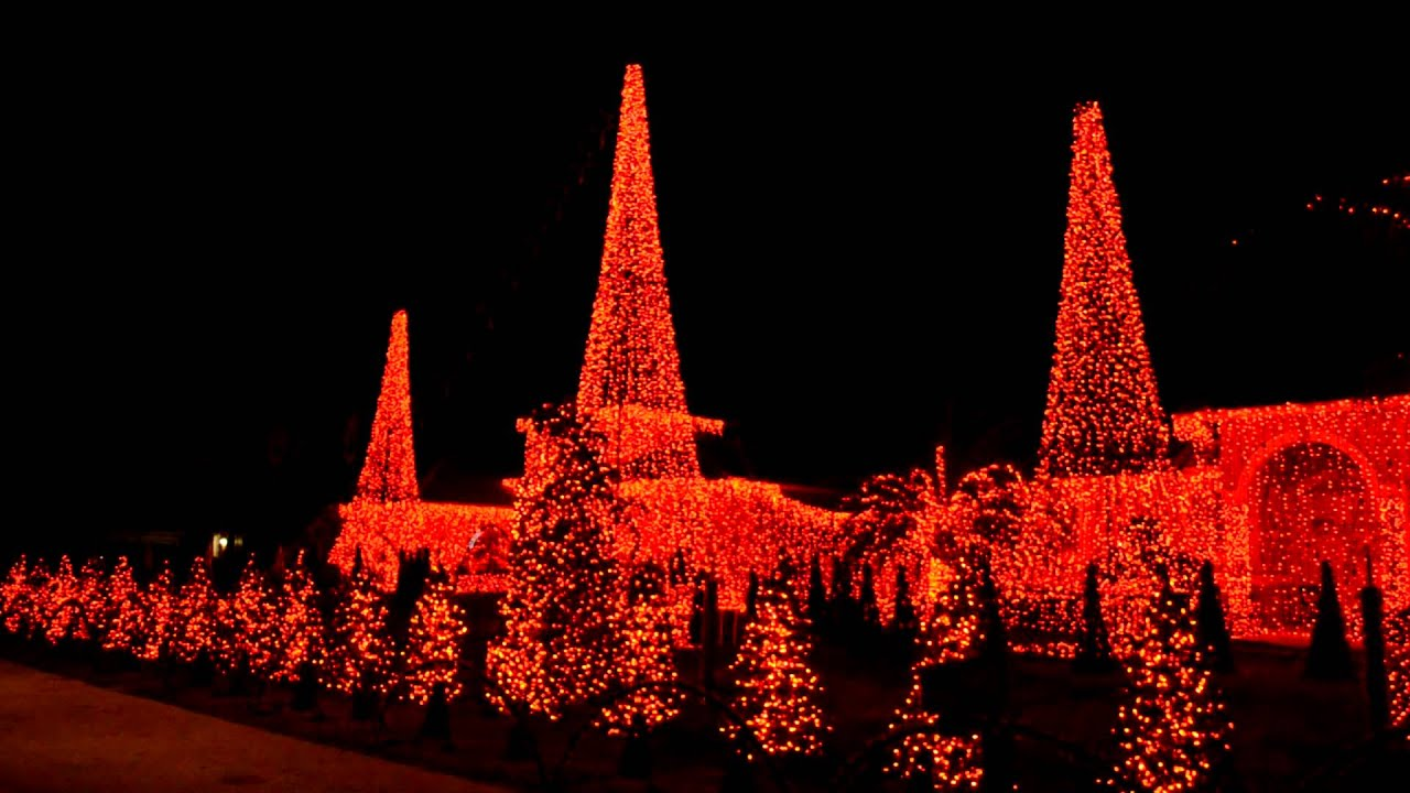 Christmas Lights And Music In Plantation Acres Plantation