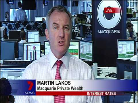 Seven News: Banker looks through nude photos of Miranda Kerr