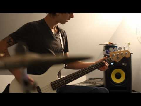 Paramore monster Bass Cover video
