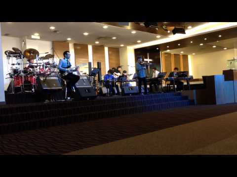Tabernacle Family Band featuring Hendri Lamiri - In Moment Like These (19 October 2014)