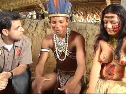 """SBT Repórter - Jornalista visita tribo e é """"batizado"""" por índios"""