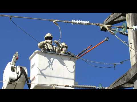 Fechamento de Pulo de Linha de Transmissão de 69.000V em Linha Energizada