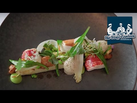 3 Michelin-starred chef Peter Goossens creates young pigeon and lobster with white asparagus dishes