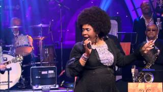 Betty Wright - Clean Up Woman (Jools Annual Hootenanny 2012)