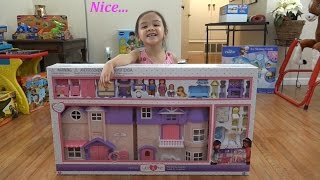 Toys for Little Girls: You & Me Plastic Dollhouse Playset Unboxing with Maya
