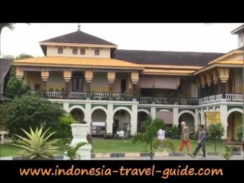 Medan Travel Guide -  Maimoon Palace -  North Sumatra Travel Guide -  Indonesia Travel Guide