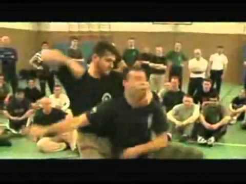 Expertos en artes marciales rusos. Defensa personal