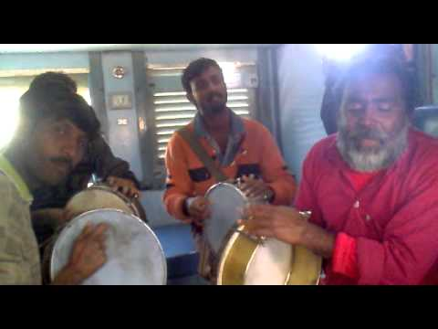 Jhoom barabar Jhoom sharabi in TRAIN