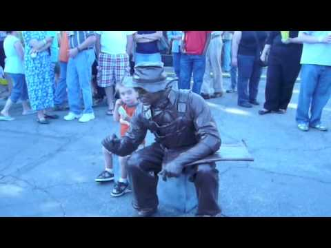 Living Bronze Statue - Columbus Arts Festival 2009 Video
