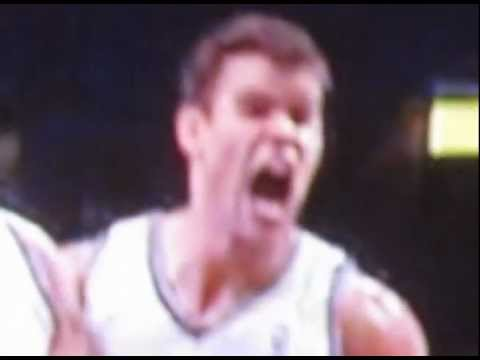 Brook Lopez dunk; Kris Humphries reacts