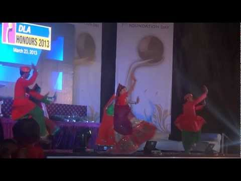 Stone Rock Dance Troupe (rajasthani Theme) Ban Than Chali. video