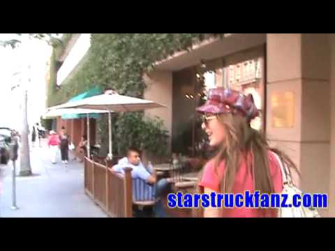 StarStruckFanz.com walks and talks with model Erin Naas Video