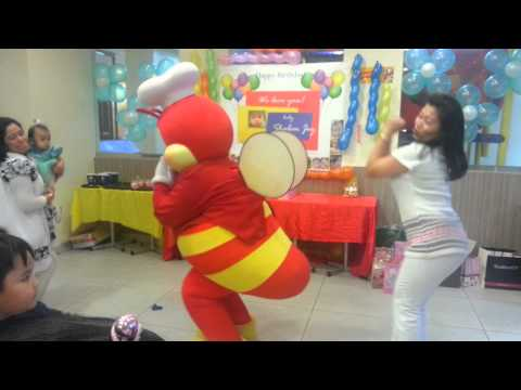 Jollibee Dancing Whoops Kiri Whoops video