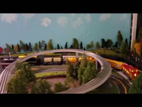 Calvin introduces his 9x9 O-Scale MTH Layout #1