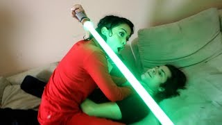 STAR WARS GIRLFRIEND LIGHTSABER BATTLE
