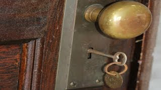 (4.68 MB) This apartment has not  opened  since 1939  After 70 years A surprise no one believed Mp3