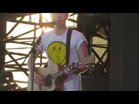 5 Seconds of Summer - Over and Over - July 6, 2013 Hershey
