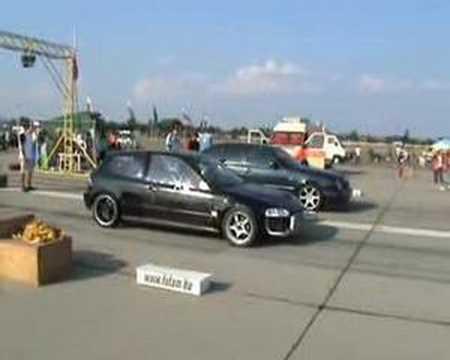 Honda Civic 1.6 Turbo Honda Civic 1.6 Turbo vs