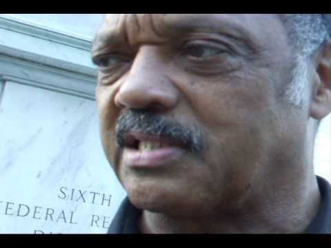 Jesse Jackson Visits Atlanta to Stop Foreclosures‏